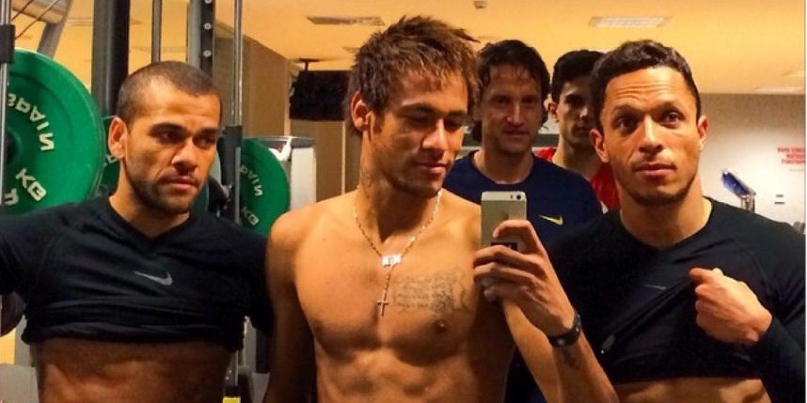 Ney presume sus músculos Foto:Instagram: @neymarjr