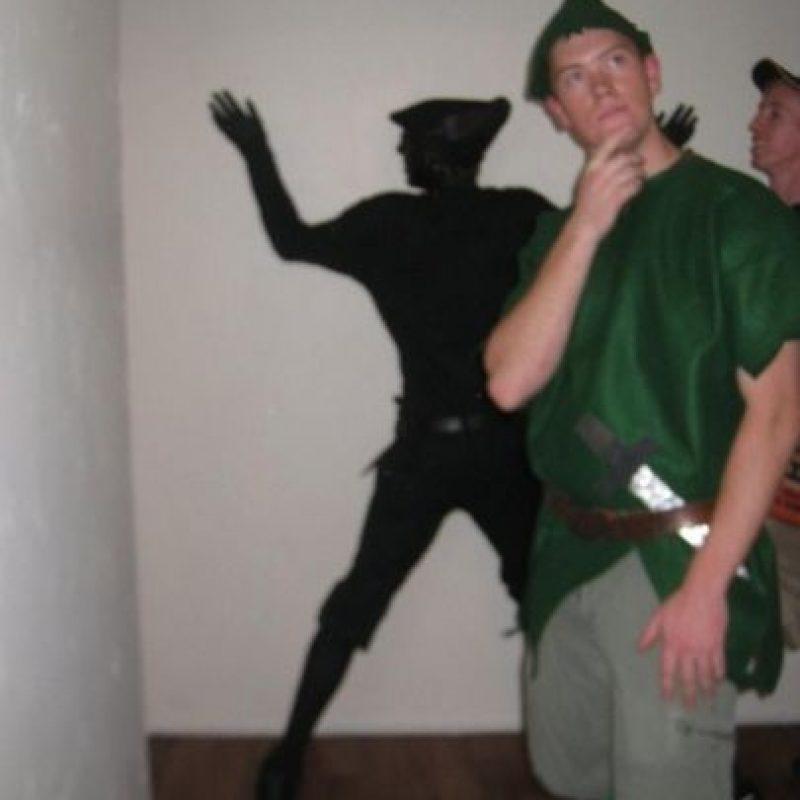 Mientras uno es Peter pan el otro es la sombra de Peter Pan Foto:costume-works.com