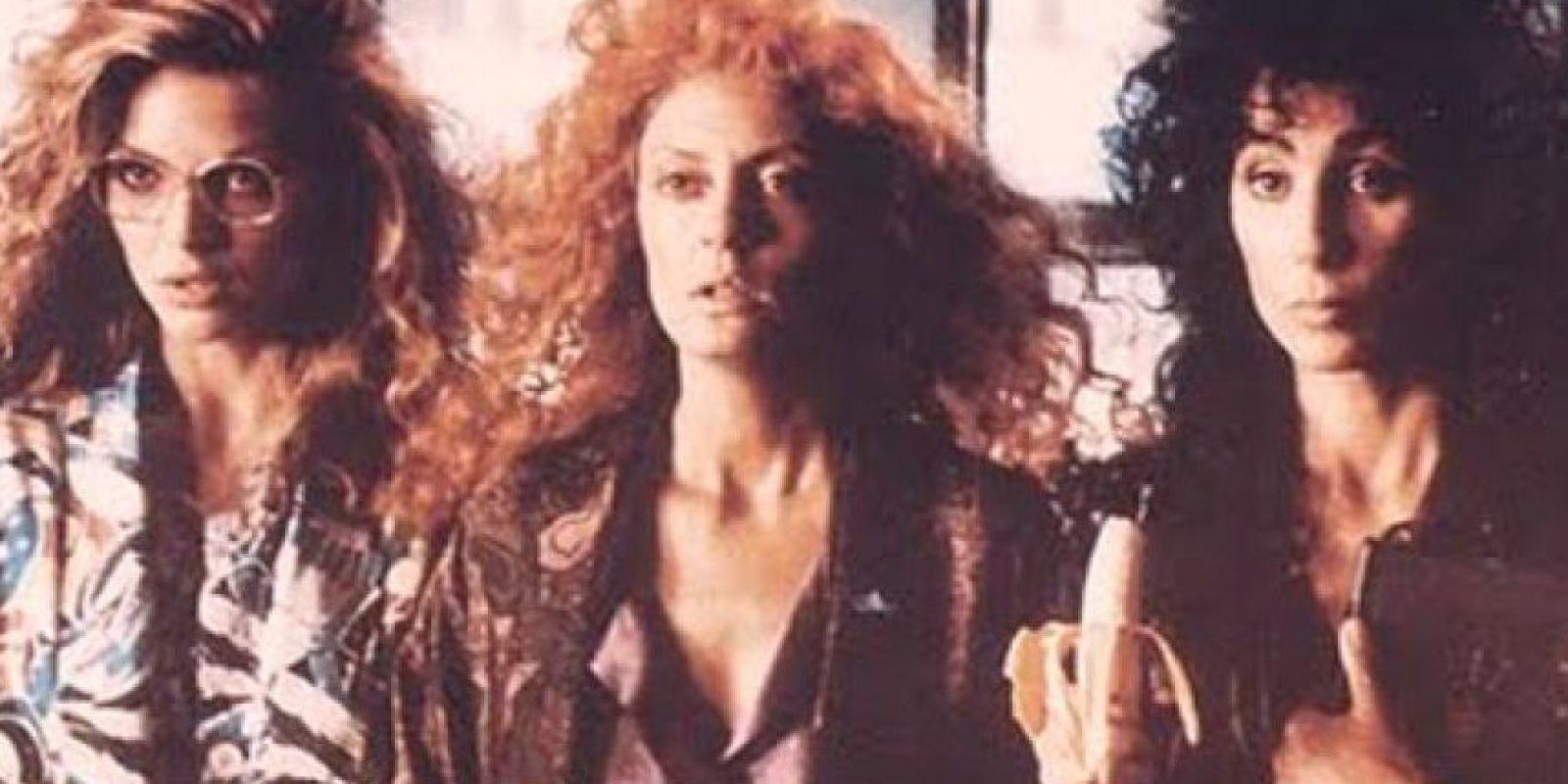 """Como """"Las brujas de Eastwick"""", protagonizada por Cher, Susan Sarandon y Michelle Pfeiffer en los papel de Suke, Jane y Alexandra Foto:Warner Bros"""