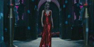 """Una sexy bruja con ansias de venganza en """"Sombras Tenebrosas"""" Foto:Warner Bros"""