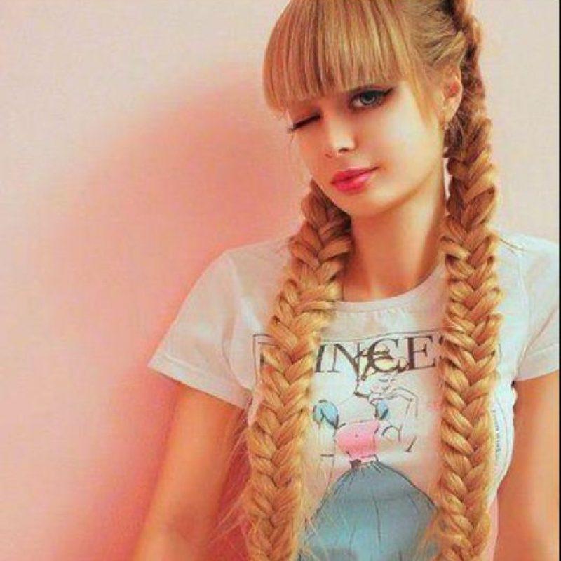 Angelica Kenova: Tiene 25 años y nació con el rostro de Barbie. En entrevista con Publimetro, la moscovita afirmó que ni su cuerpo ni su rostro ha pasado por el quirófano. Kenova disfruta tener la atención de las cámaras por ello combina la psicología con el modelaje. Foto:Facebook/Angélica Kenova