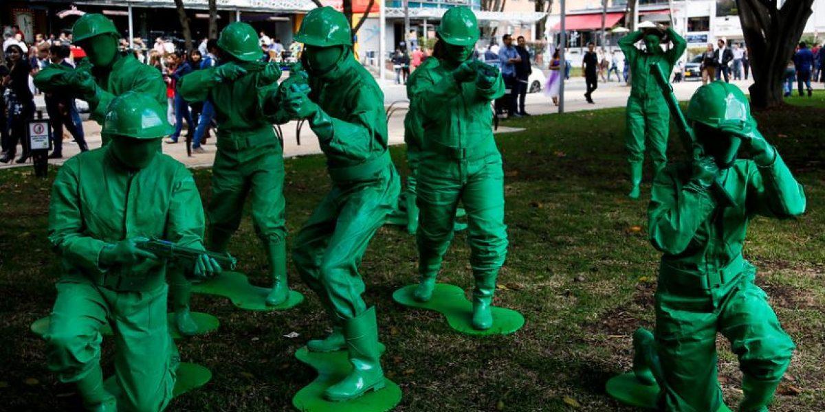FOTOS: Los disfraces más creativos de los bogotanos