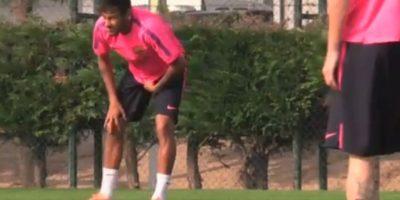 Neymar tuvo dificultades para continuar el entrenamiento. Foto:vía Twitter