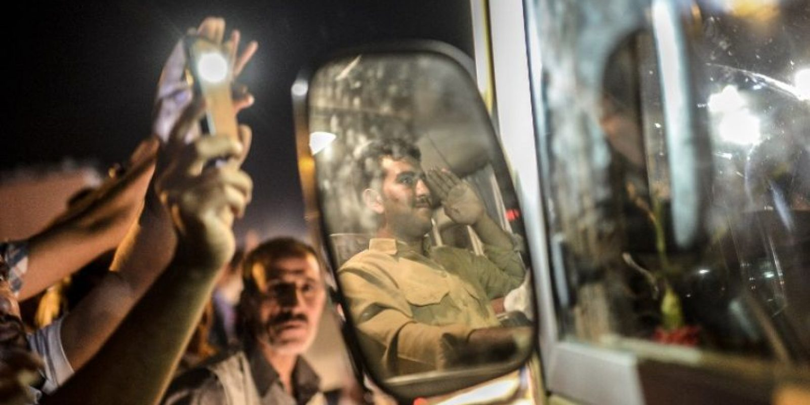 Si su edad oscila entre los 20 y 30 años: 100 mil dinares (86.06 dólares) Foto:AFP