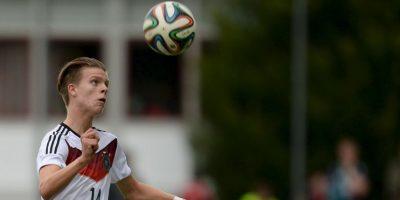 36. Dzenis Burnic. El jugador de 16 años del Borussia Dortmund está llamado a ser una figura de la zaga de la Selección de Alemania Foto:Getty