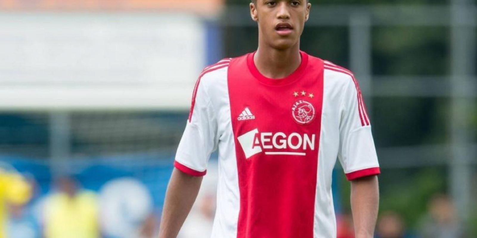26. Richardo Zivkovic. Con 18 años, al igual que Luis Suárez y Arjen Robben, pasó por el Groningen y ahora forma parte del Ajax Foto:Getty
