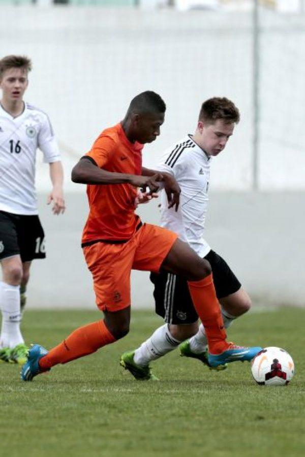 28. Timothy Fosu-Mensah. El defensa holandés fue vendido de Ajax al Manchester United, a sus 16 años Foto:Getty