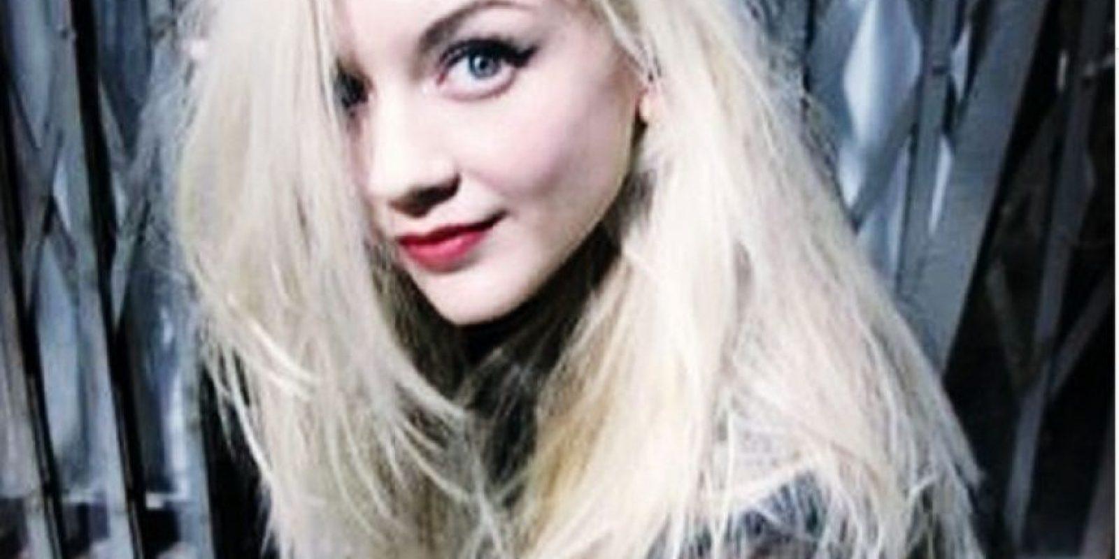 Su papael también vivió la muerte de su padre Foto:Facebook Emily Kinney