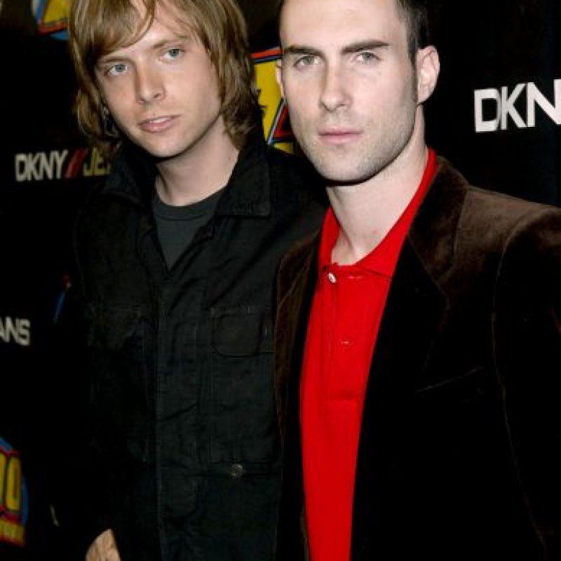 """Adam Levine, en 2002, con su colega de Maroon 5 lanzando su álbum """"Songs about Jane"""" Foto:Getty Images"""