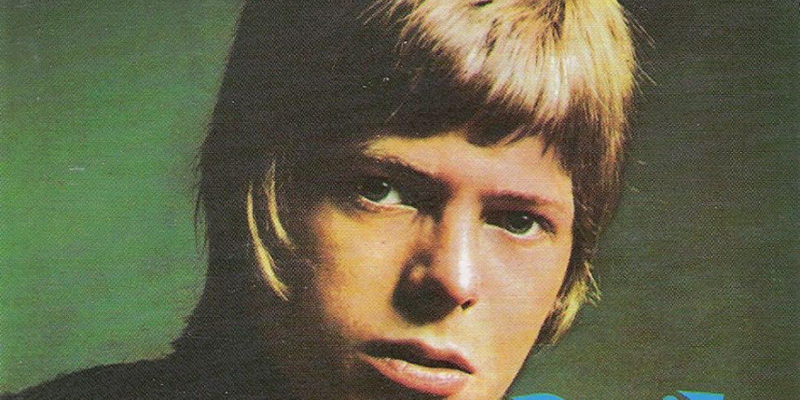 En 1967, David Bowie lanza un álbum con su nombre. Foto:Coveralia