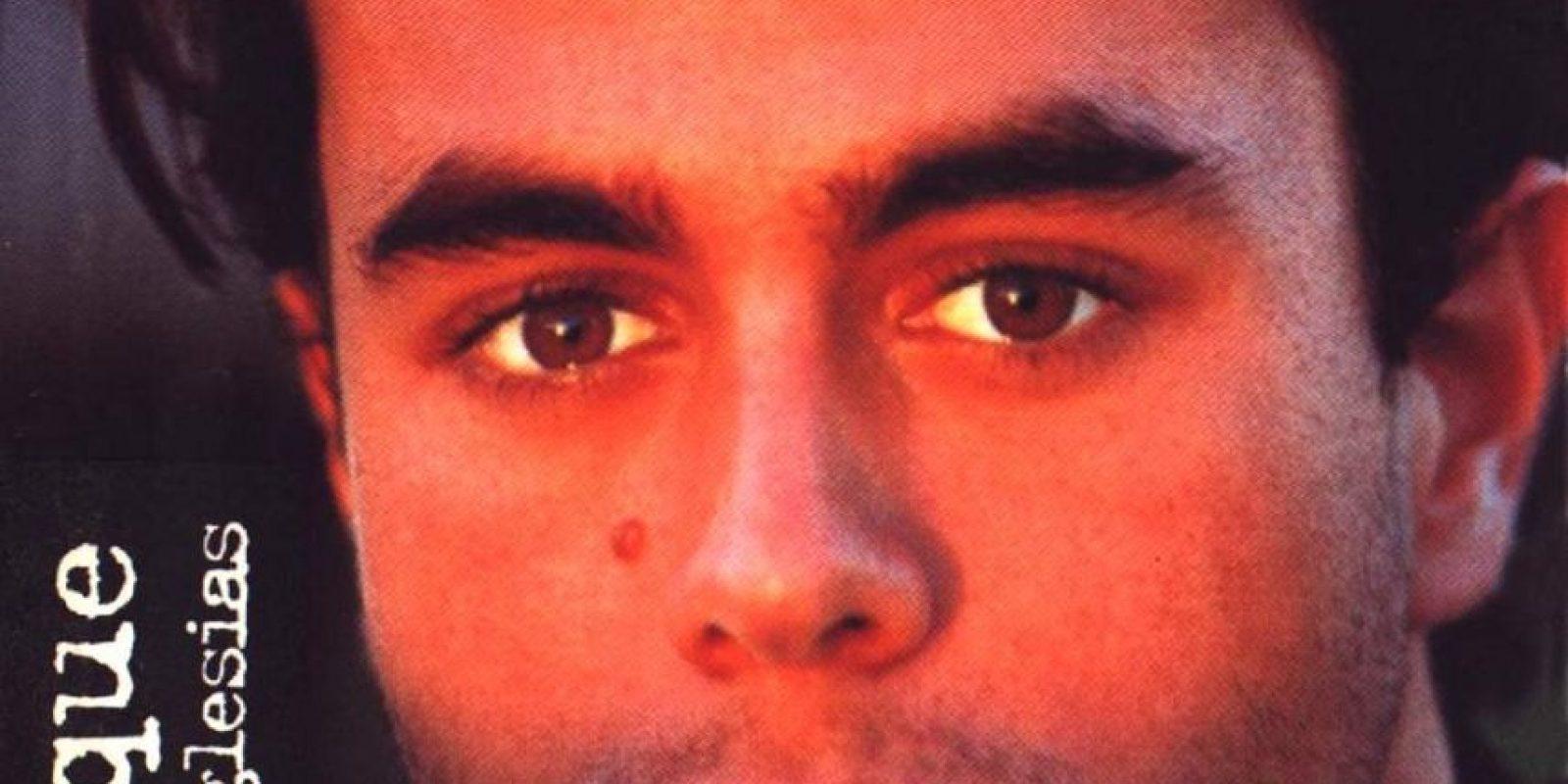 """Enrique Iglesias lanzó su primer álbum en 1995, llamado """"Enrique Iglesias"""" Foto:Coveralia"""