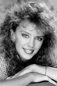 Kylie Minogue, en los 80. Su primer álbum se llamó Kylie y fue lanzado en 1988 Foto:Getty Images