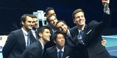 Así se tomaron el selfie. Foto:twitter.com/ATPWorldTour