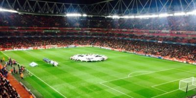 Stanilas Wawrinka también fue al encuentro del Arsenal junto a unos amigos. Foto:twitter.com/stanwawrinka