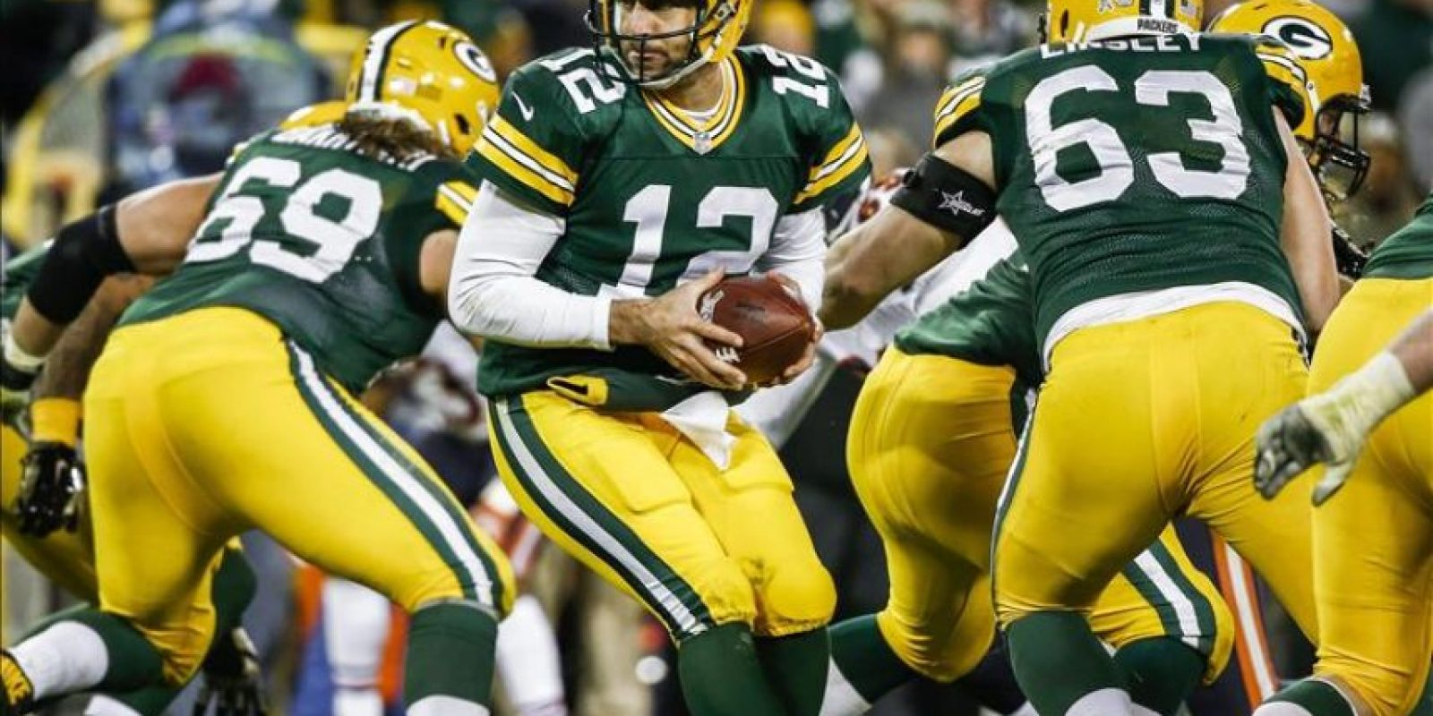 Rodgers completó 18 de 27 pases para 315 yardas con seis pases de anotación, no le interceptaron ningún balón, y dejó en 145,8 su promedio de pasador con los Packers (6-3). EFE