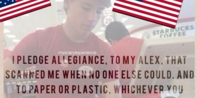 """Algunos cambiaron el juramento a la bandera de EUA por el juramento a """"Alex"""" Foto:Vía Twitter"""