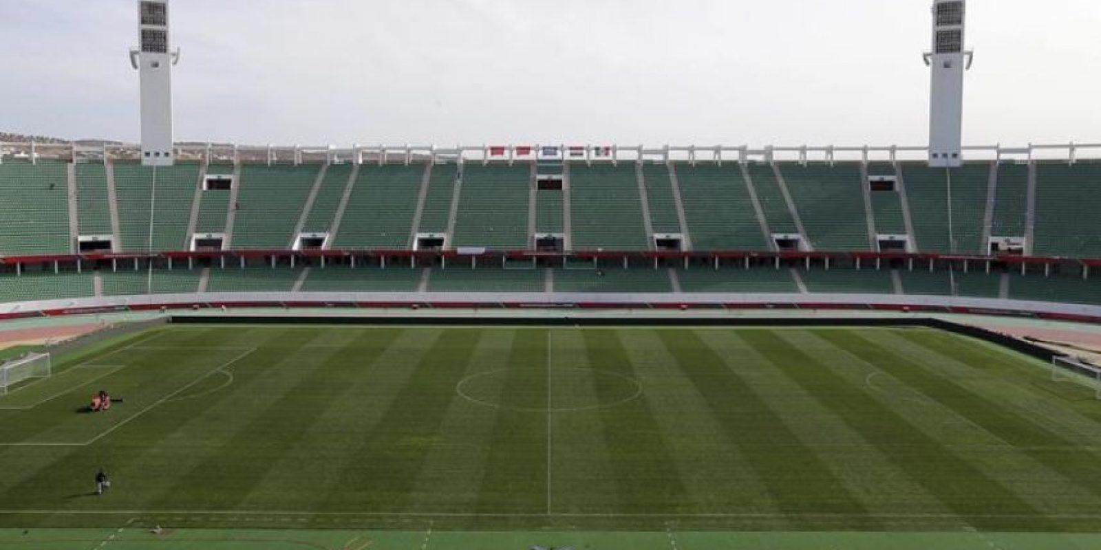 Fotografía de archivo fechada el pasado 15 de diciembre de 2013 que muestra el estadio de Agadir, en Marruecos. La Confederación Africana de Fútbol (CAF) ha confirmado que Marruecos no acogerá la Copa de África de Naciones (CAN) de 2015. EFE