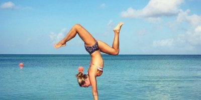 6. En la parte física ayuda a las articulaciones, previene la artritis, compone la postura corporal y la columna vertebral Foto:Instagram: yoga_girl