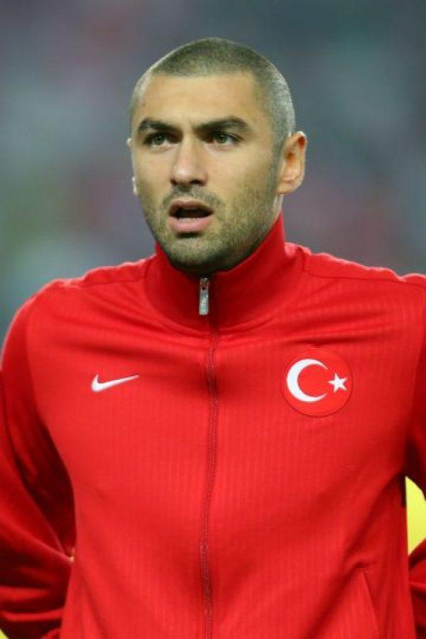 Burak Yilmaz acompañará en la delantera a Sahan Foto:Getty