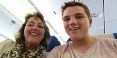 Gary Slok y su madre Petra, en el avión MH17 de Malaysia Airlines que fue derribado en Ucrania. Foto:Facebook/Gary Slok