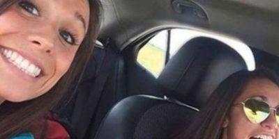 Collette Moreno se tomó un selfie con su amiga. Iban camino a su despedida de soltera. Chocaron contra otro auto y ella murió. Foto:Youtube