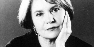 María Mercedes Carranza – La escritora bogotana, directora desde 1986 de la Casa de Poesía Silva en Bogotá, decidió quitarse la vida tras meses de angustia por el secuestro de su hermano. Murió de una sobredosis de antidepresivos el 11 de julio de 2003 en Bogotá. Foto:Colprensa