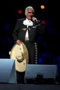 Los mismos que el charro mexicano Vicente Fernández Foto:Getty