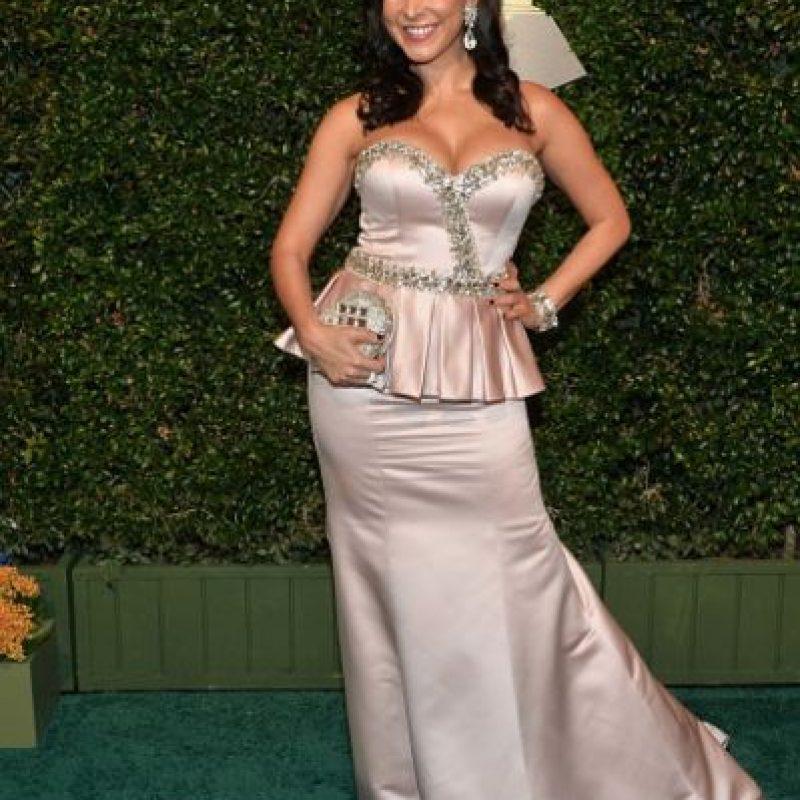 La modelo Mayra Verónica, en un conjunto péplum de satin y bordado brillante Foto:Getty Images