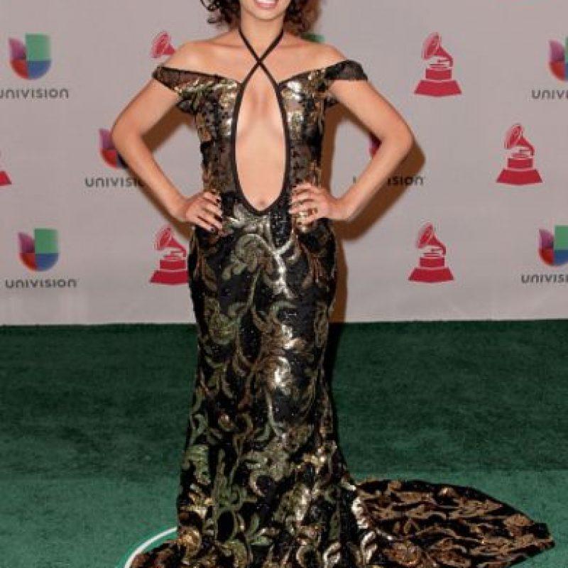 Desiree Estrada: mucho escote y mucho brillo. Foto:Getty Images