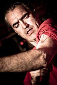 """Tim Cridland, o también conocido como """"Zamora el rey de la tortura"""", asegura que no siente dolor Foto:www.facebook.com/ZamoraTheTortureKing"""