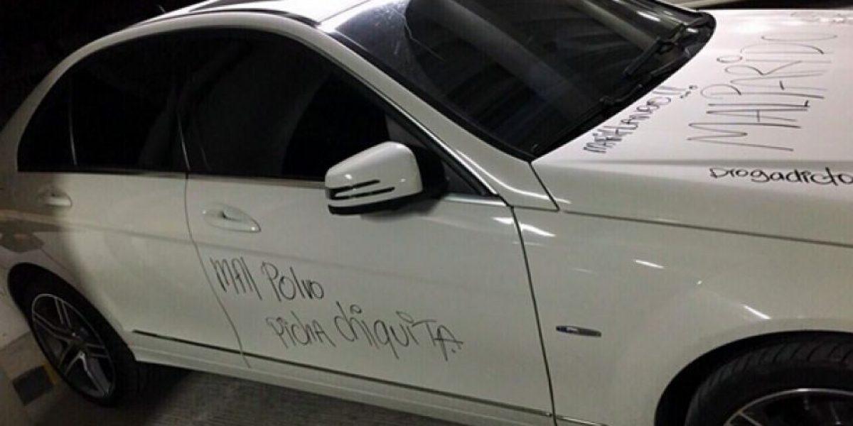 VIDEO: Despechada en Barranquilla volvió nada el Mercedes de su ex