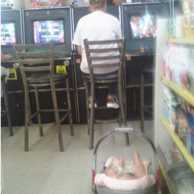 El niño es un cesto de mercado Foto:Imgur