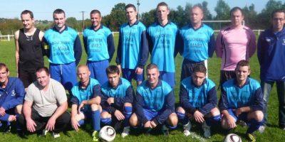 Eran 12 futbolistas y el portero se tuvo que ir por una emergencia Foto:http://asmg.footeo.com