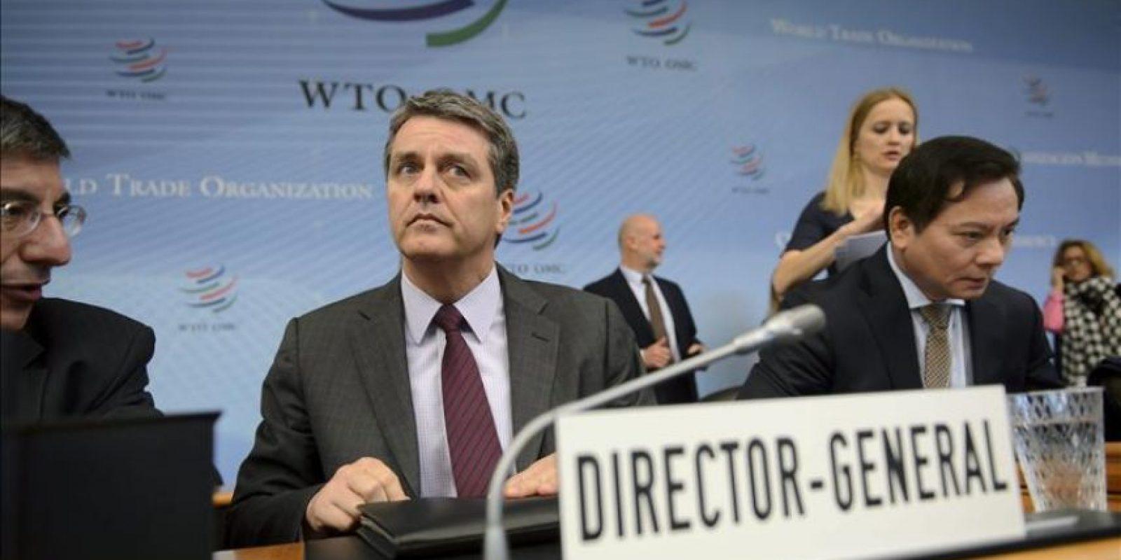 El director general de la Organización Mundial del Comercio (OMC), el brasileño Roberto Azêvedo (c), preside una reunión extraordinaria del Consejo General de la organización en Ginebra, Suiza, hoy, jueves 27 de noviembre de 2014.