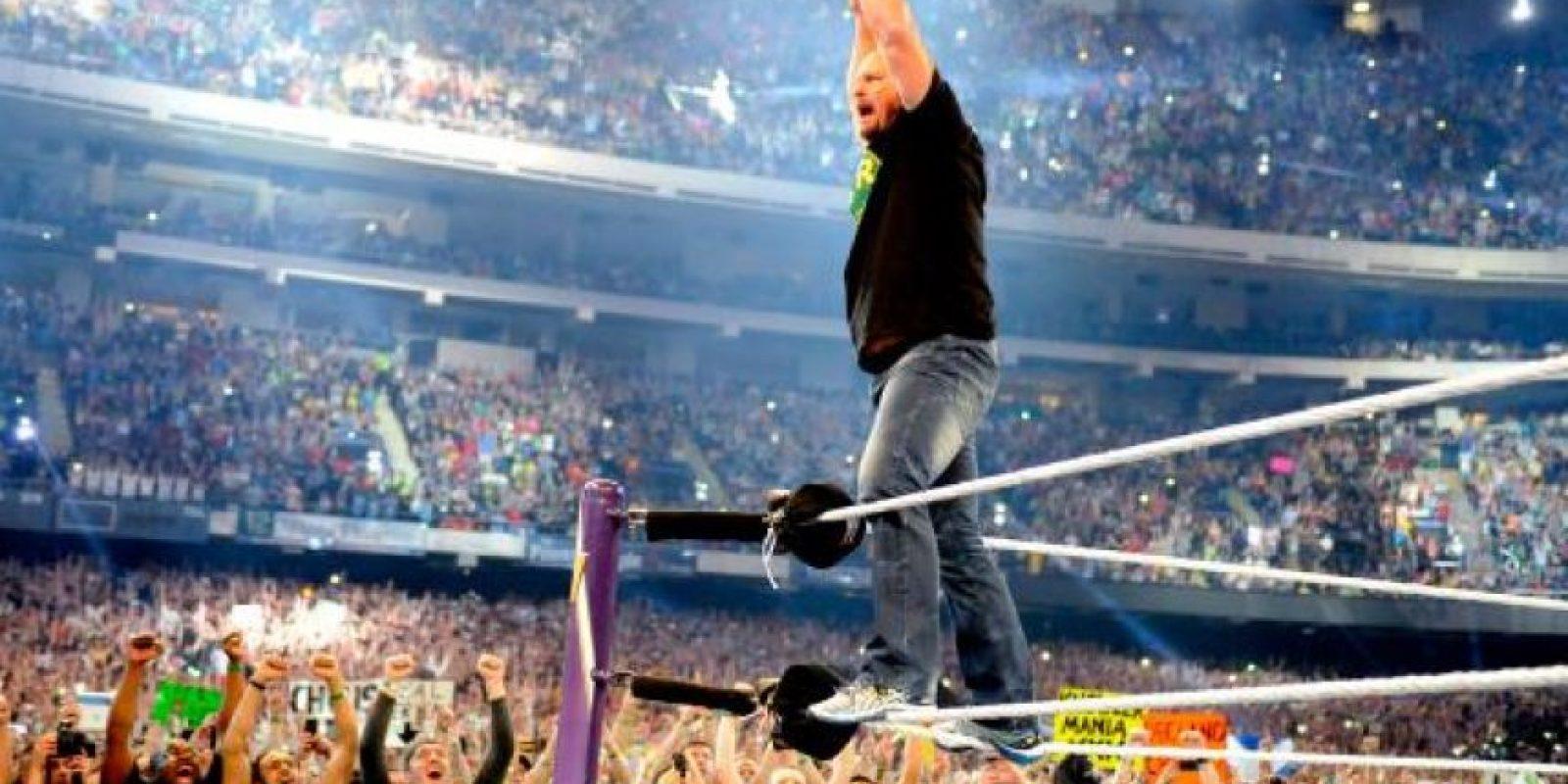 Fue detenido en 2002 por agredir a su esposa Foto:WWE