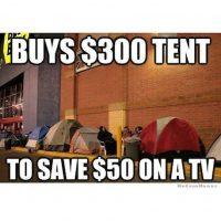 """""""Compra una casa de campaña de 300 dólares, para ahorrarse 50 en una televisión"""" Foto:Instagram"""