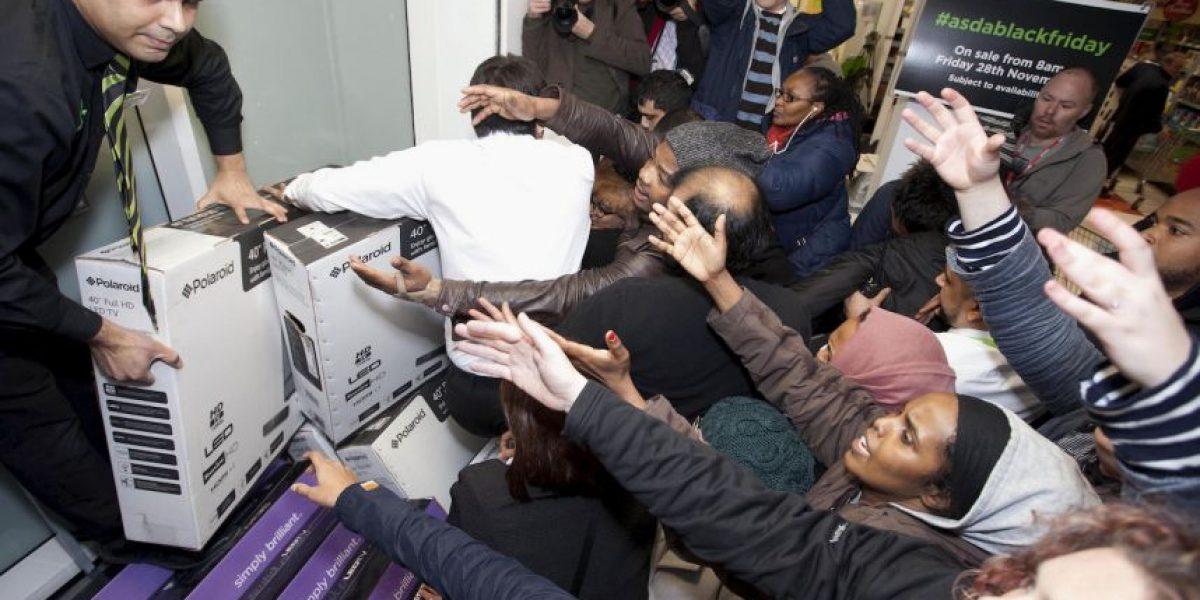 FOTOS Y VIDEO: Locura entre compradores por ofertas del #BlackFriday