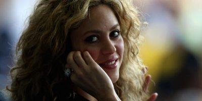 """""""Siempre deseaba ser más alta, tener las piernas más largas, las caderas más delgadas, un trasero más pequeño e incluso el cabello más liso. Soy como todas las mujeres… nacidas para criticarnos a nosotras mismas"""", explicó Shakira al diario británico """"News of the world"""". Foto:Getty Images"""