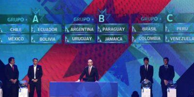 Aseguran que se oye una voz que menciona a Uruguay, momentos antes de que saliara la bola de le Celeste Foto:Copa América