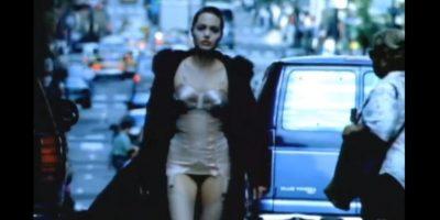 Angelina Jolie – 'Anybody seen my Baby' de The Rolling Stones: Antes de sertoda una ganadora del Óscar, la actriz protagonizó este video para los Stones. Foto:YouTube