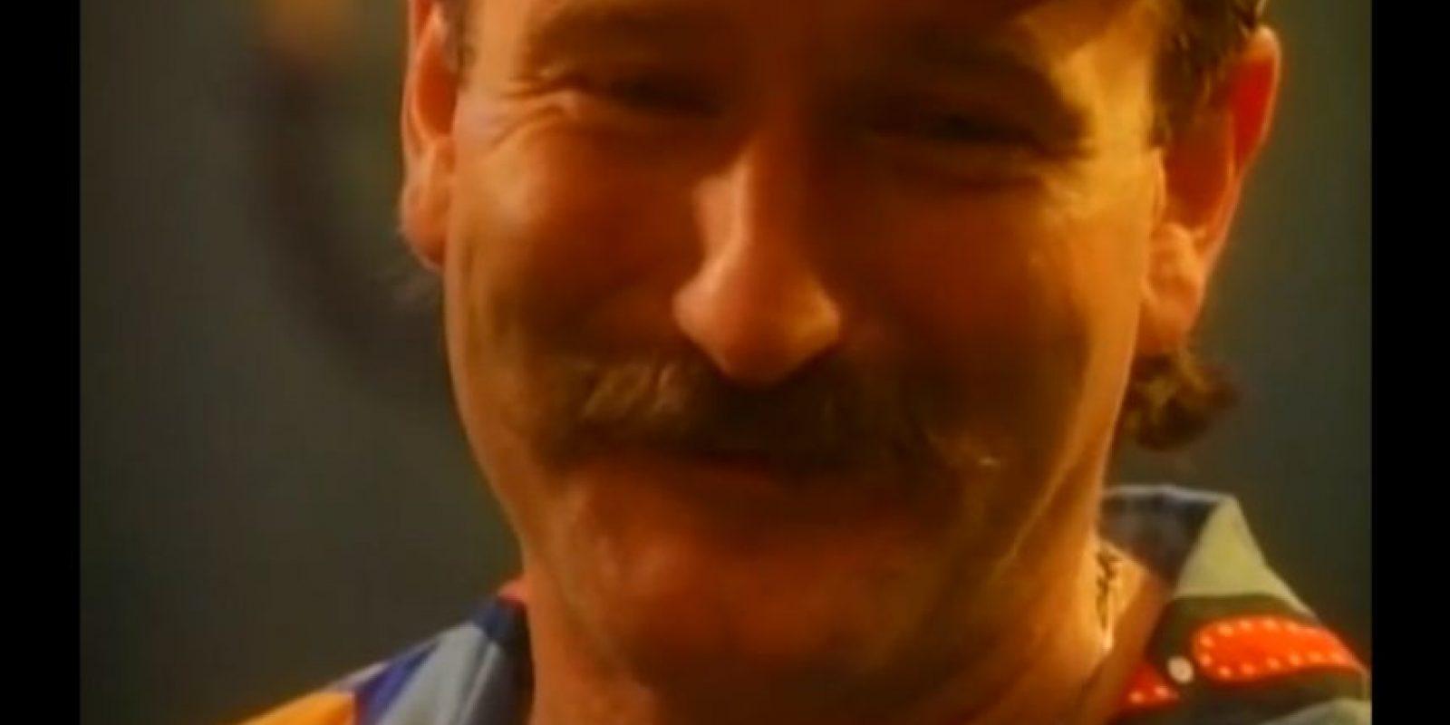 Robin Williams – 'Don't Worry Be Happy' de Bobby McFerrin: El fallecido actor bailó y mostró su habitual sentido del humor en el video de esta canción de 1988 que se convirtió en todo un clásico. Foto:YouTube