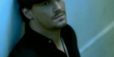 David Boreanaz – 'White Flag' de Dido El protagonista de Bones representó el amor fallido de Dido en esta canción que se convirtió en un hit a nivel mundial. Boreanaz ya era conocido por su papel de Angel en 'Buffy, la cazavampiros'. Foto:YouTube
