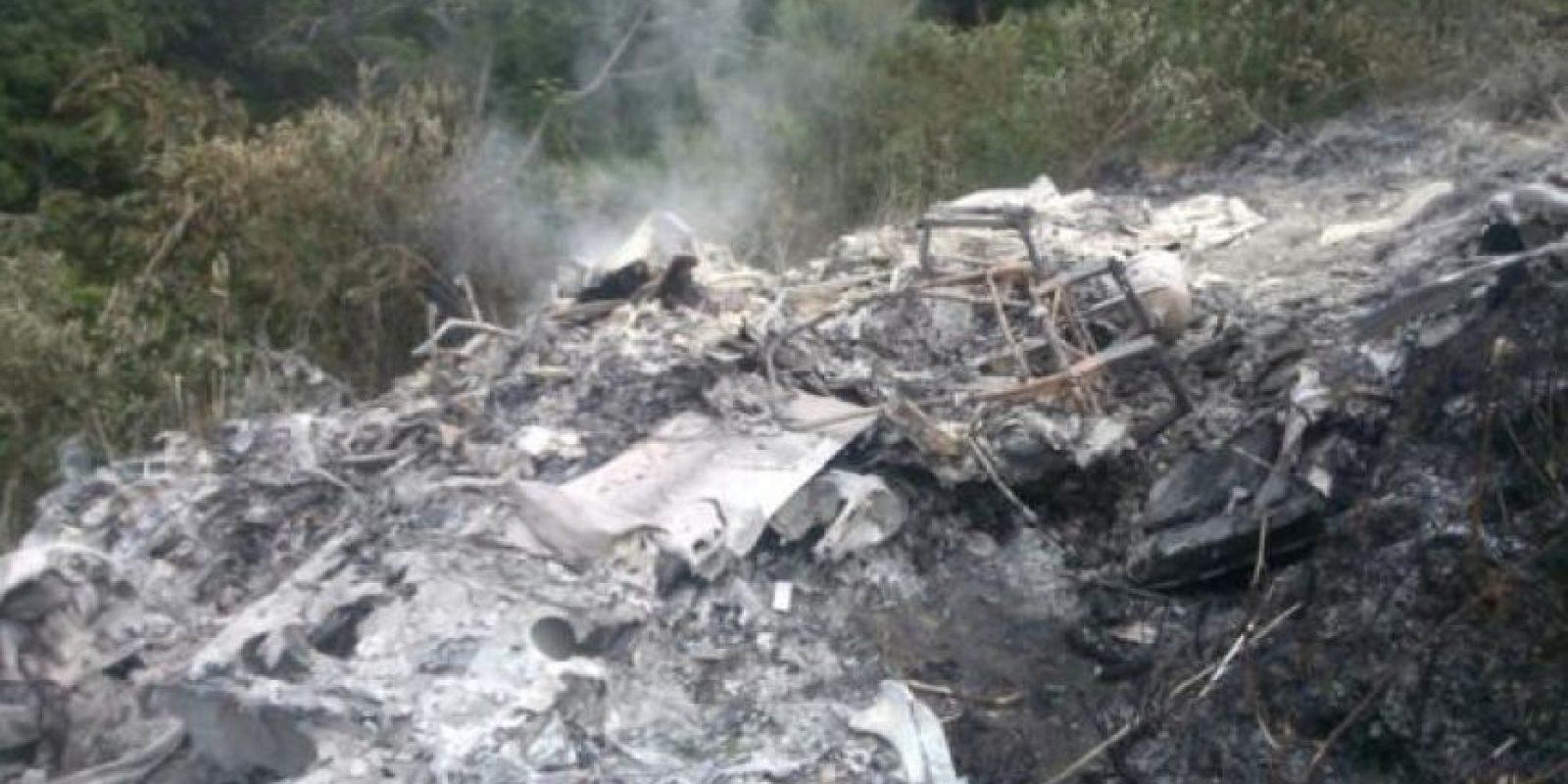 La avioneta se incineró al estrellarse. Foto:El Nuevo Día.