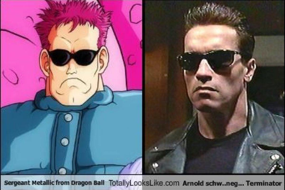 Arnold Schwarzenneger, en la película Terminator, es comparado con Sargento Metallic Foto:Totally Looks Like – Cheezburger