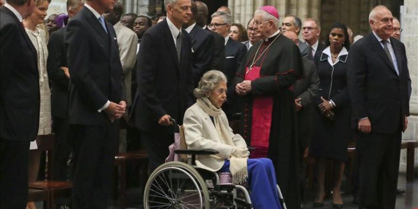 La reina Fabiola de Bélgica (c) asiste a una misa para conmemorar el 20 aniversario de la muerte de su difunto esposo el rey Balduino en la catedral de Santa Gúdula de Bruselas (Bélgica). EFE/Archivo