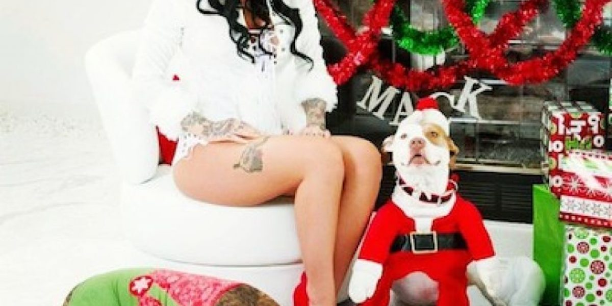 FOTOS: La actriz porno Christy Mack se prepara para recibir la navidad