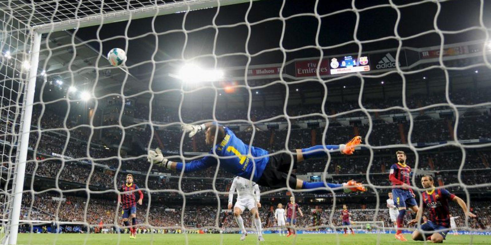 Víctor Valdés es el mejor portero de todos los tiempos del fútbol ibérico Foto:Getty