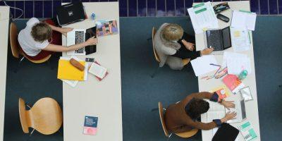 El uso de redes sociales afecta también a los menores. Foto:Getty Images