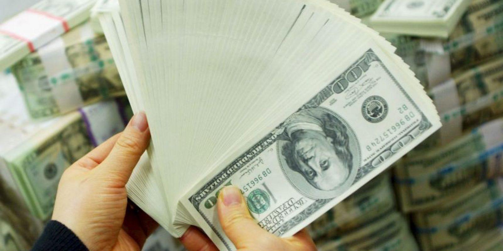 3. Separen una cantidad para ahorra que vaya de acuerdo a sus posibilidades. Foto:Getty