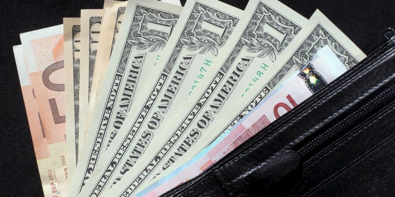 6. No guarden el dinero en la casa, busquen alternativas que les permitan ganar intereses. Foto:Getty